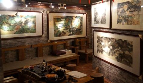 深圳麒裕美术馆为张巨鸿设置作品陈列室